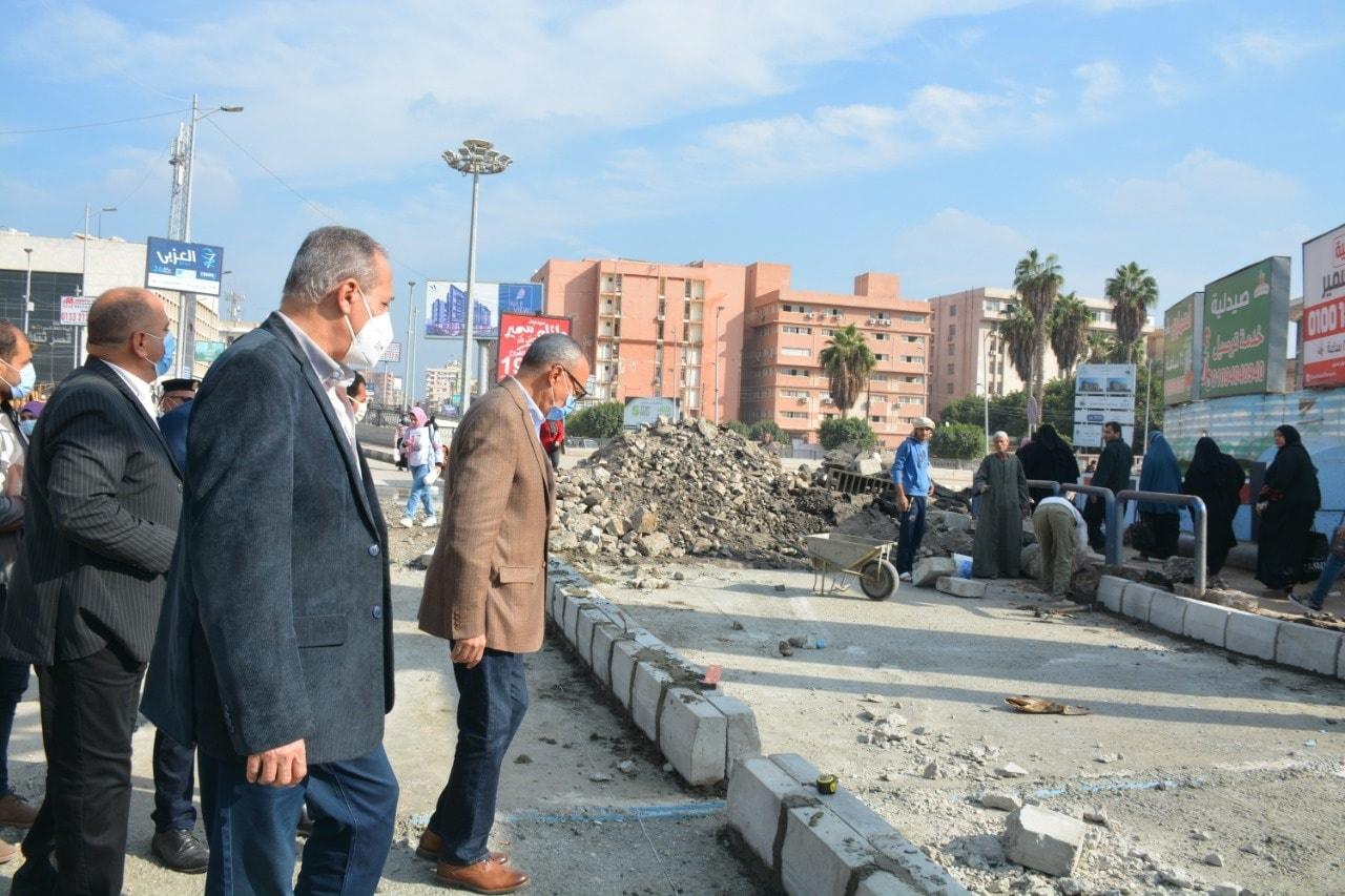 محافظ القليوبية يتفقد مشروع تطوير شوارع مدينة بنها وكوبري كفر الجزار
